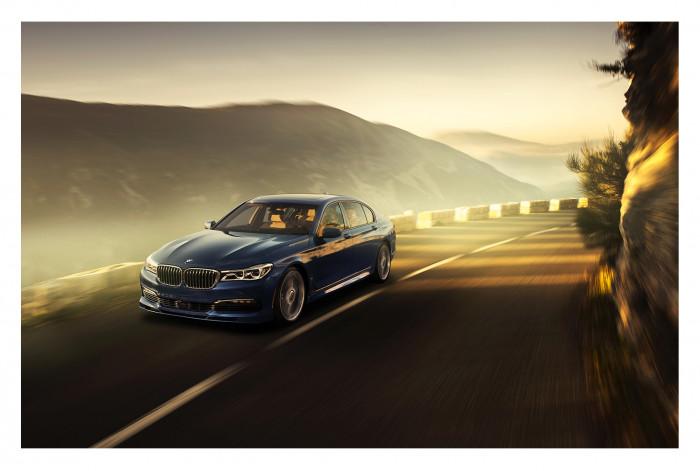 Модульная картина из 4 частей BMW на горной дороге